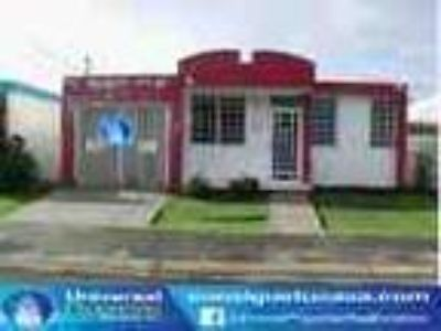 Juncos Hacienda De Tenas