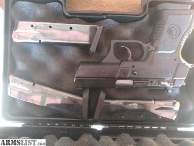 For Sale: Baby eagle 40 cal
