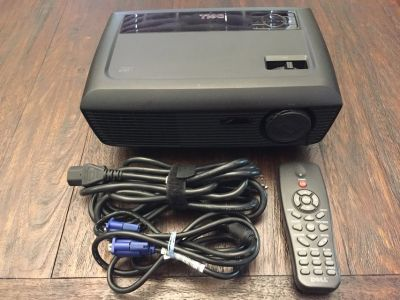 Dell 1210S Projector - great for backyard movies!