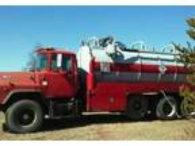 1995 Mack MP8-Tri-Axle Equipment in Almond, WI