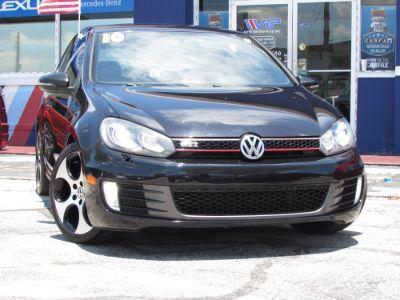 2010 Volkswagen GTI Base (Deep Black Metallic)