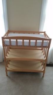 changing table w/ changing pad