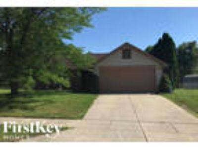 3408 Crickwood Dr Indianapolis, IN 46268 - 3/2 1265 sqft