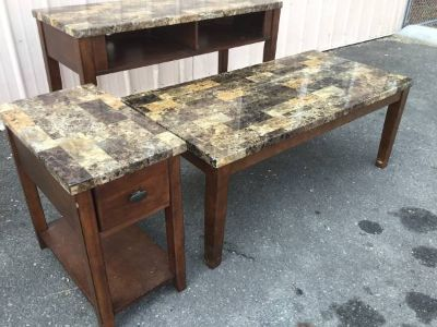 Very Nice Set of Living Room Tables - Delivery Available