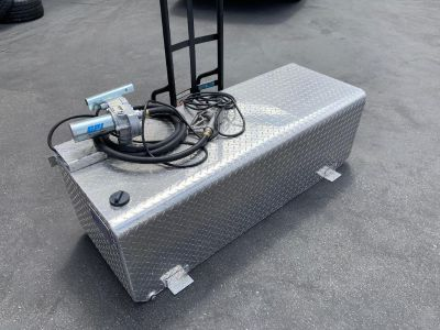 100 Gallon Diamond Plate Fuel Storage Tank