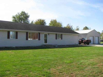 14077 E Libbie Ln Effingham Three BR, WOW..Lots To Offer!!!..