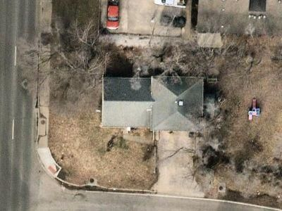 3 Bed 2 Bath Foreclosure Property in Independence, MO 64052 - E 32nd St S