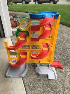 Race car track toy