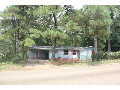 3 Bed 2 Bath Foreclosure Property in Jackson, MS 39204 - W Mcdowell Rd