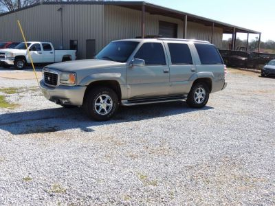 2000 Cadillac Escalade Base (SIL)