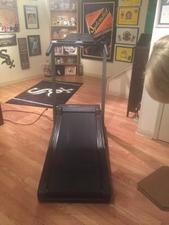 Encore 1500 Series Treadmill