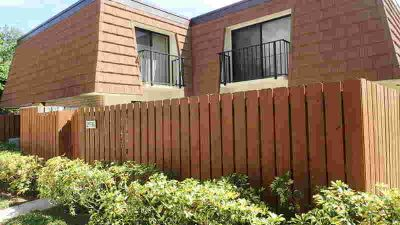 2536 25th Court Jupiter Two BR, Lovely townhome situated in a