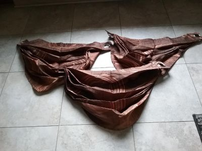 3 brown with copper valances