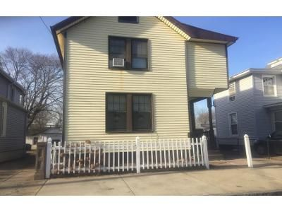 3 Bed 1 Bath Preforeclosure Property in New Haven, CT 06519 - Morris St
