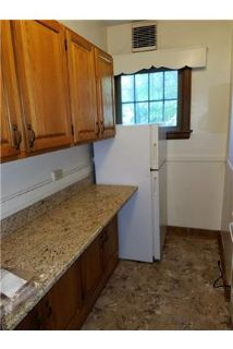 Apartment in great location. $895/mo