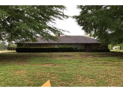 Preforeclosure Property in Bloomburg, TX 75556 - W Cypress St