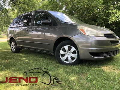 2005 Toyota Sienna CE 7 Passenger (Grey)