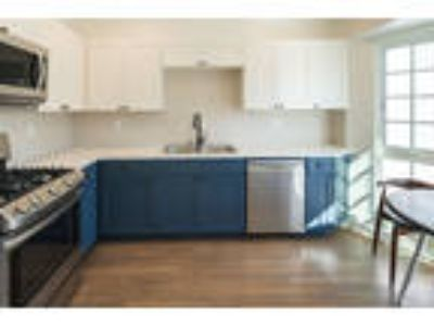 FOUND Residences   Westwood - Shared - 2 twin beds - 0 BA