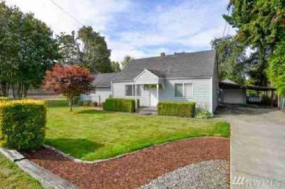 35621 20th Ave SW Federal Way Three BR, SPECTACULAR home on .60