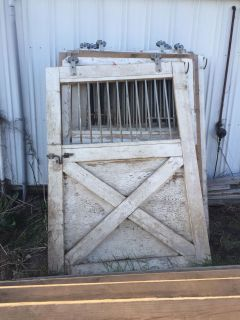 5 horse stall fronts & 5 stall doors