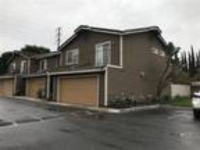 Model like townhouse for rent in the heart of Anaheim