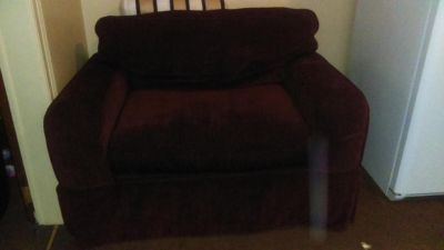Over sized Sealy chair
