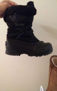 Ranger snow boots good condition size 1