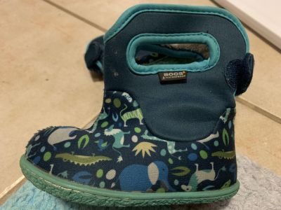 Size 6 toddler Bogs waterproof winter boots