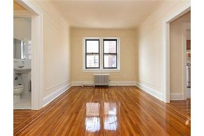Pet friendly 1 bedroom apartment in Queens Village