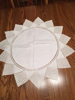 28 Linen and Crocheted Lace Tablecloth or Centerpiece