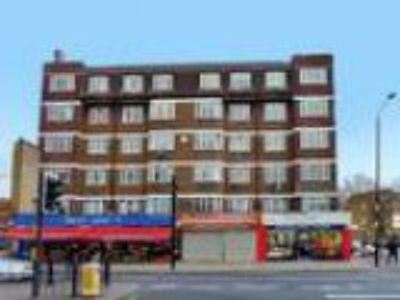 LONDONCommercial Road Two BR The Express Estate Agency is