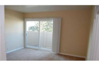 2 bedrooms House - Beautiful Golf Course condominium! 2BR. Washer/Dryer Hookups!
