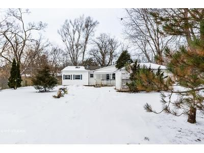 2 Bed 1 Bath Foreclosure Property in Cary, IL 60013 - W Main St