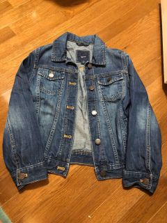 EUC Gap kids jean jacket size M 7 8 9