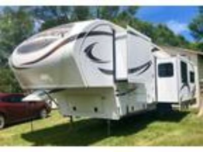 2014 Prime Time Manufacturing Crusader 5th Wheel in Holly, MI