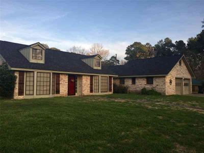 608 W Timberland Drive Woodville, Spacious Three BR