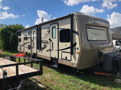 2016 Forest River Flagstaff Classic Super Lite 832BHIKWS