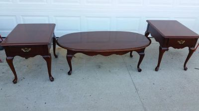 Thomasville Cherry Wood 3 Piece Coffee & End Table Set