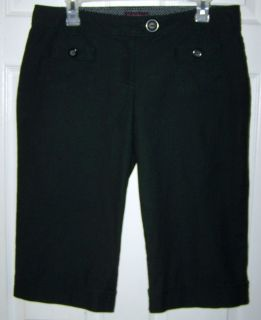 Size 11 - Black Capri Shorts with Zipper and Button Front and 2 Front Pockets.