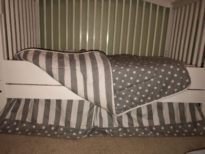 Carousel designs crib skirt and comforter. Excellent condition! Link in description to the rest of the set.