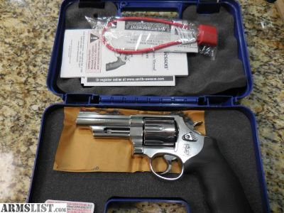 For Sale: SMITH&WESSON 629 - 44 MAG. - 4 INCH