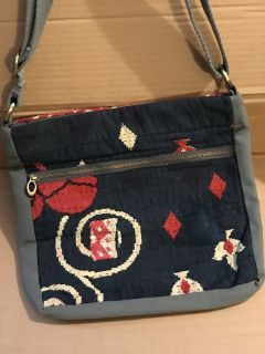 Purse NEW, never used!
