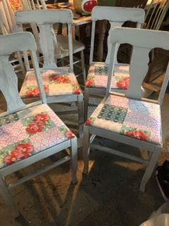 4 distresses chairs