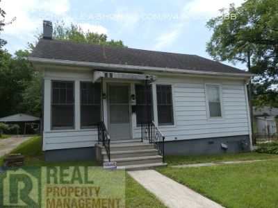 2 Bed / 1 Bath Home Near UNCG