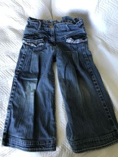 Room Seven 116-6 jeans (I think they are meant to be Capri)
