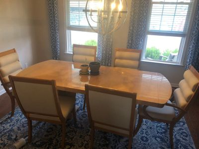 Dining Table w/Chairs
