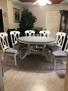 Table and 6 chairs Solid wood 58 x 46 in