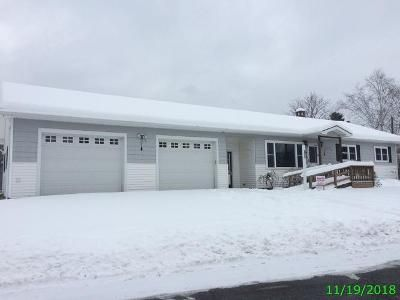3 Bed 2.5 Bath Foreclosure Property in Derby Line, VT 05830 - Beauchesne St