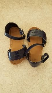Gymboree size 4 baby girl navy sandals