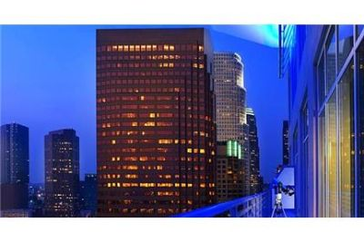 1 bedroom Apartment - Boasting panoramic views of and downtown LA.